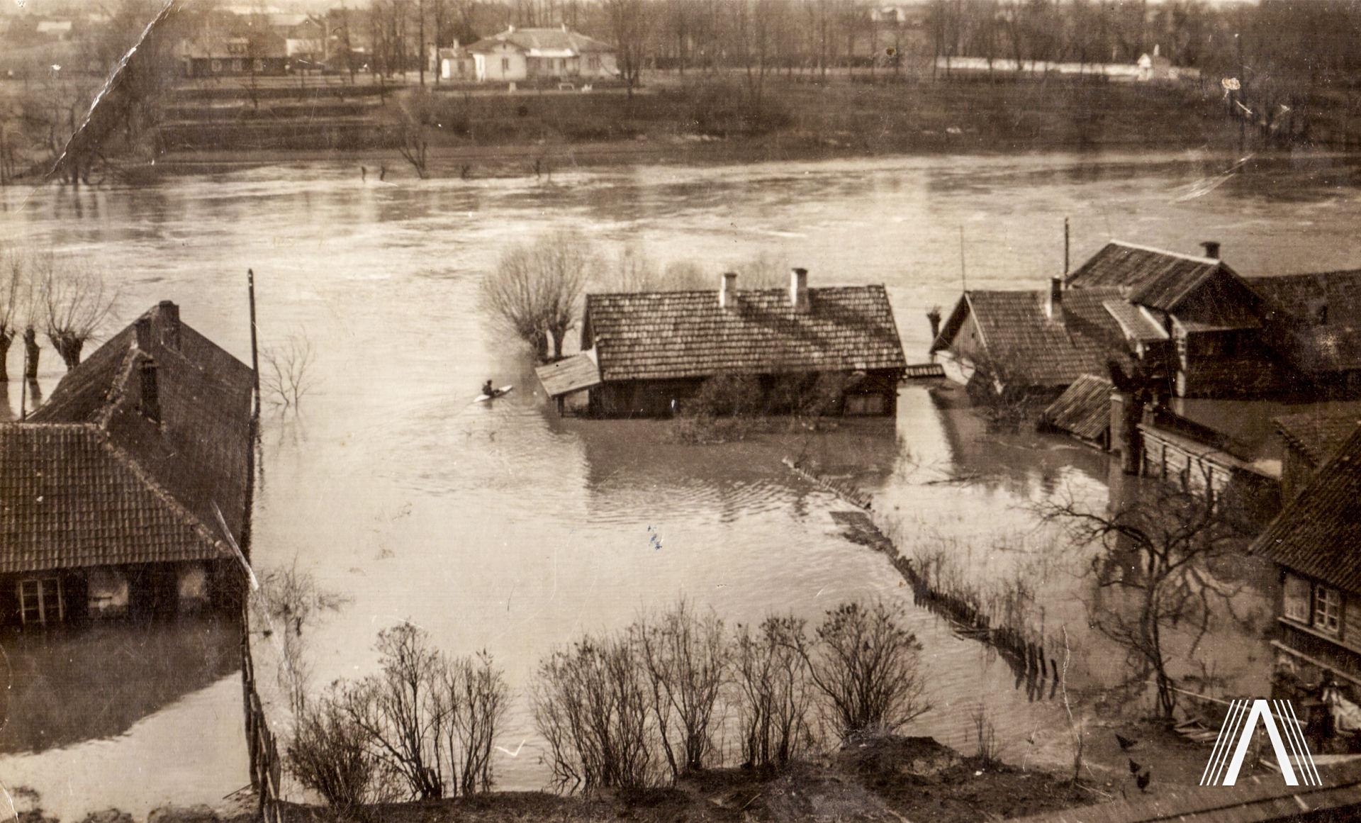 Užtvindyti-namai-prie-neries-1931m
