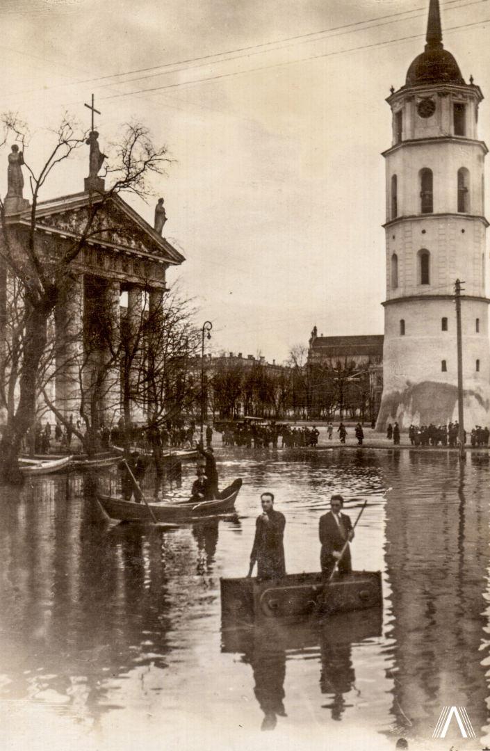 Arkikatedra-potvynio-metu-1931m