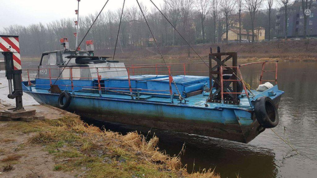 Laivas-vilkikas-Barza